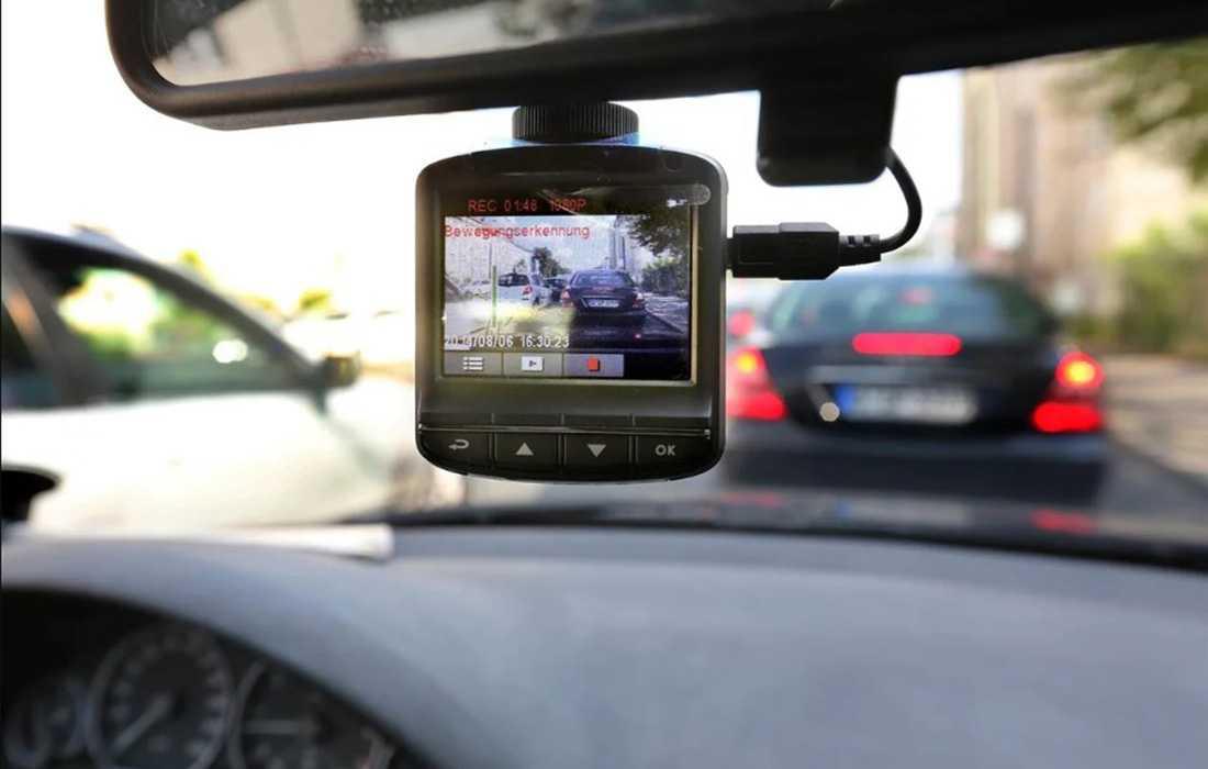 видеорегистратор автомобильный с подключением второй камеры